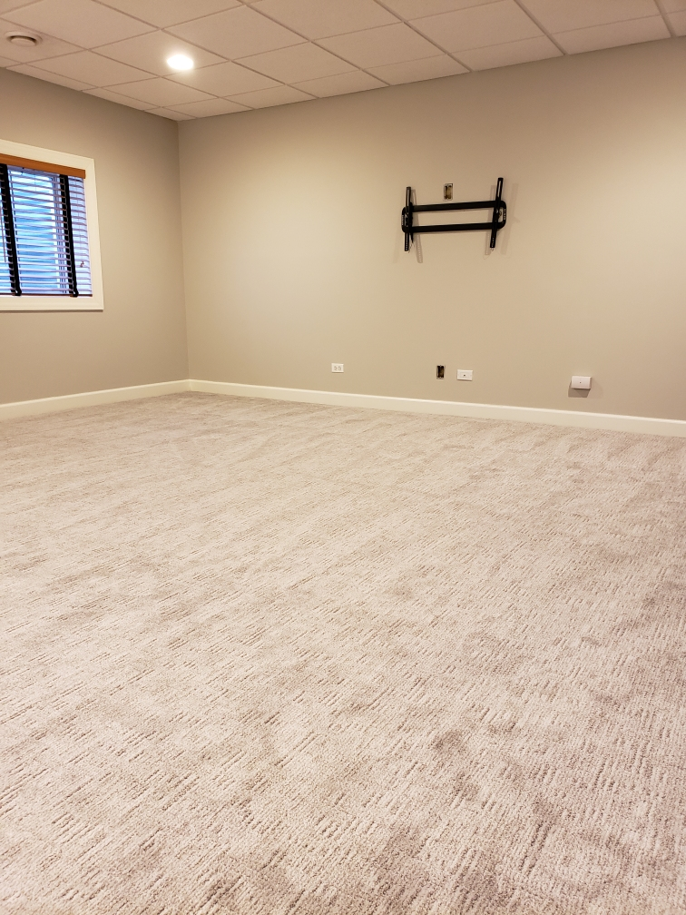 Random Nature Carpet By Mohawk In Light Grey Color